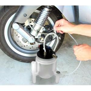 Pompa pneumatica per liquido dei freni